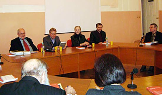 Left to right (top table): Sergei Filatov, Roman Lunkin, Xenia Dennen and Boris Knorre at the Europe Institute, Moscow, when a new publication by the Encyclopaedia team was launched.